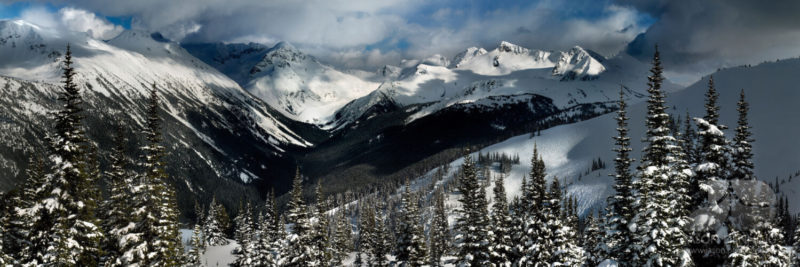 Snow on the Fitzsimmons mountain Range in whistler