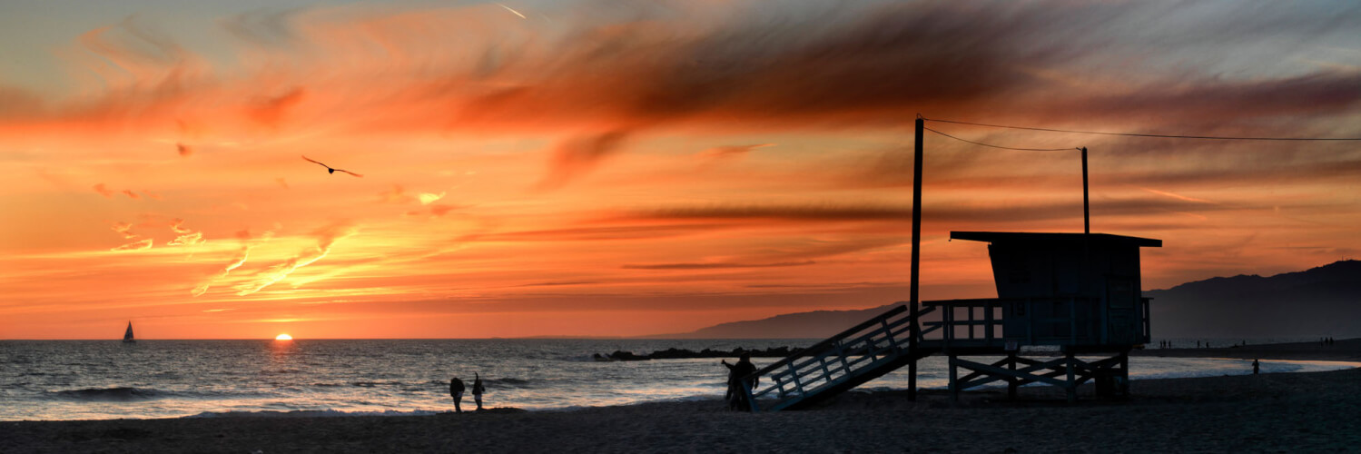 VENICE BEACH IN LOS ANGELES AT SUNSET